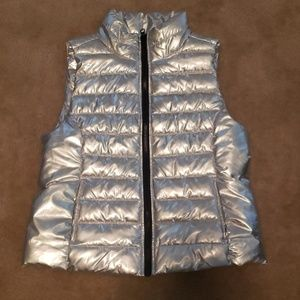 Girls silver puffer vest size Large